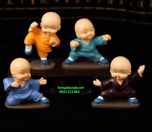 Bộ tượng 4 chú tiểu múa võ