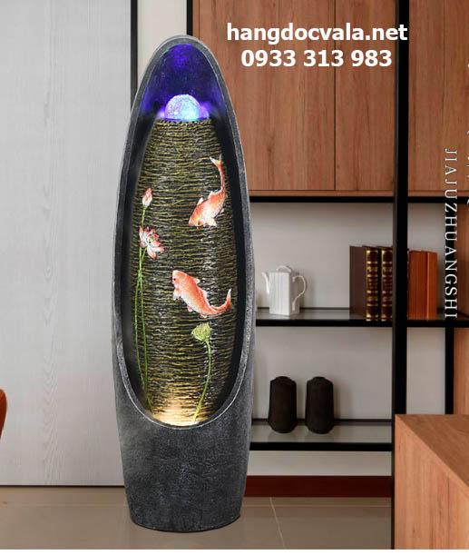 Thác nước phong thủy trong nhà cá chép vờn sen hồng
