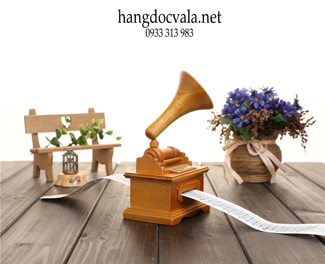 Hộp phát nhạc cổ điện bằng gỗ