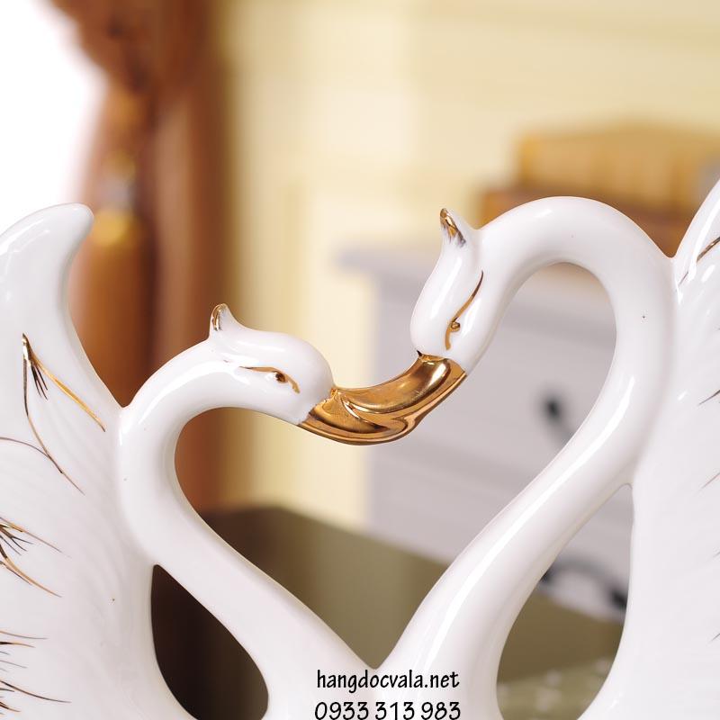 đôi thiên nga bằng sứ viền vàng